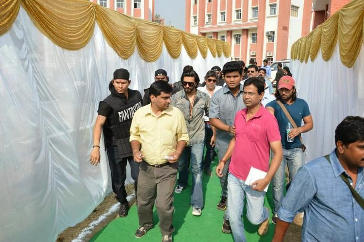 Ranveer Singh Visits SVN College, Lucknow For Promoting Ram-Leela