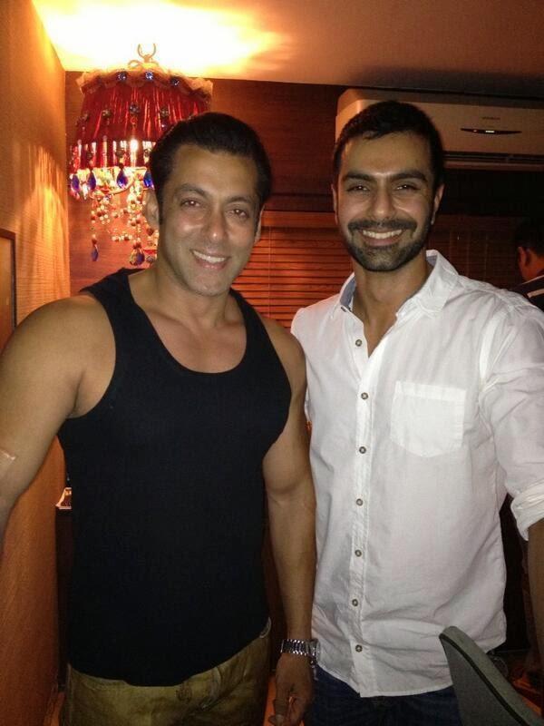 Salman Khan And Ashmit Patel Posed At Salman Khan's 2013 Diwali Party