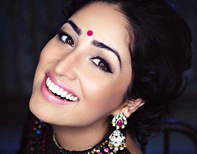 Yami Gautam Cool Dazzling Look Photo Shoot For Hello India November 2013 Issue