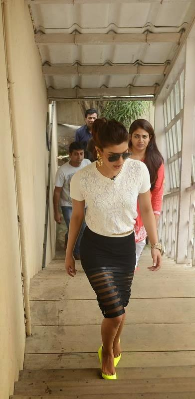 Priyanka Chopra Glamour Look On The Sets Of The Front Row Show