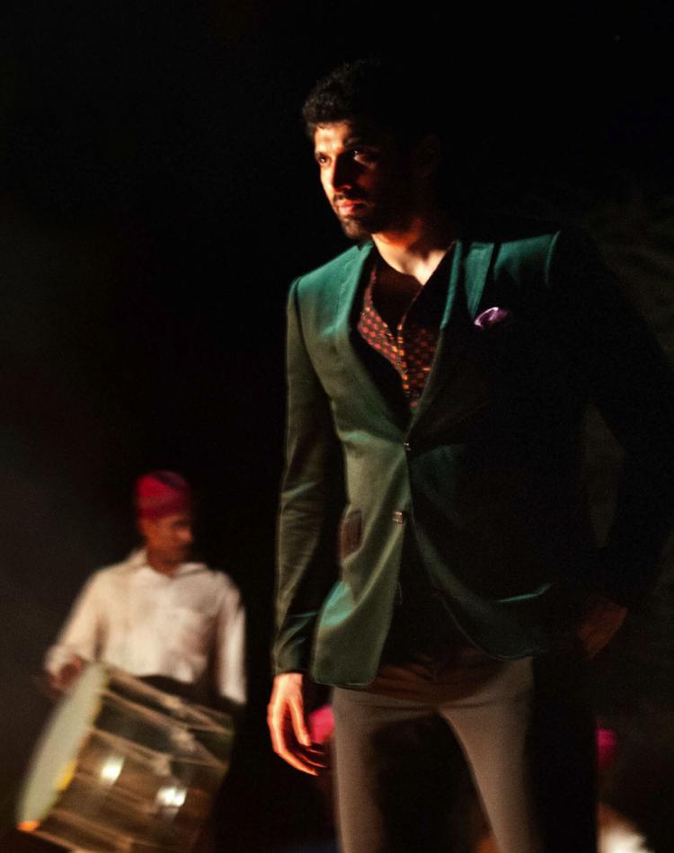 GQ India Nov 2013 Issue Aditya Roy Kapur Stunning Pic