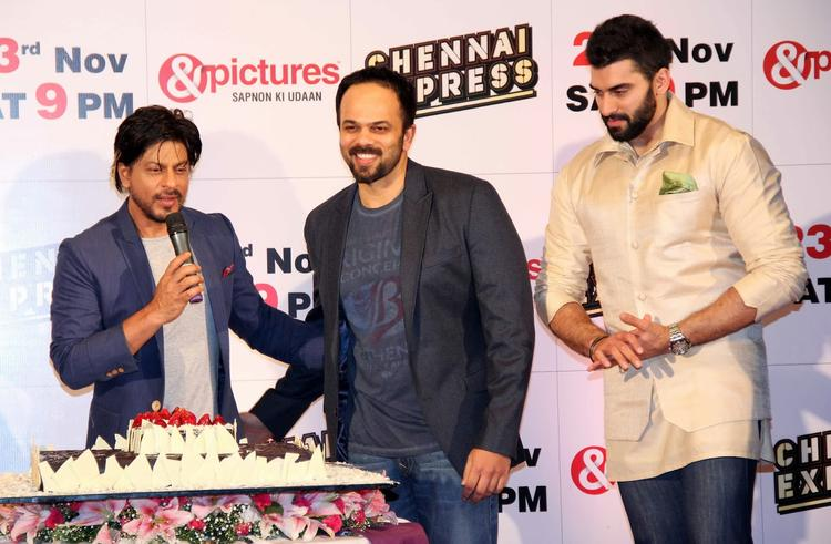 Shahrukh,Rohit And Nikitin Cool Look At Zee Tv's Success Party For Chennai Express