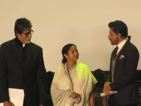West Bengal Chief Minister Mamata Was Seated In Between Amitabh And Shahrukh On The Dais