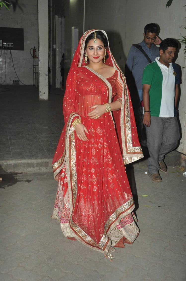 Glamour Beauty Vidya Balan On The Sets Of Ranka Jewellers For New Ad Shoots