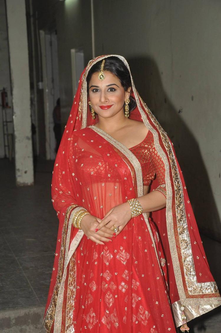 Vidya Balan Stunning Gorgeous Look On The Sets Of Ranka Jewellers Ad Film