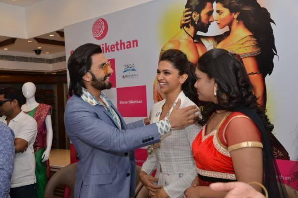 Ranveer And Deepika Entertained During The Ram Leela Film Promotion At Hyderabad