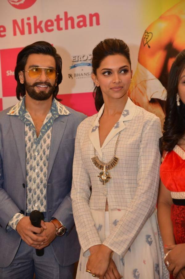 Ranveer And Deepika Promote Their Upcoming Flick Ram Leela At Hyderabad