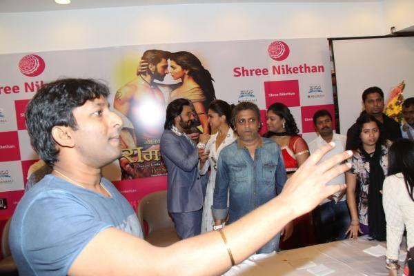 Ranveer And Deepika Promotes Ram Leela At Hyderabad