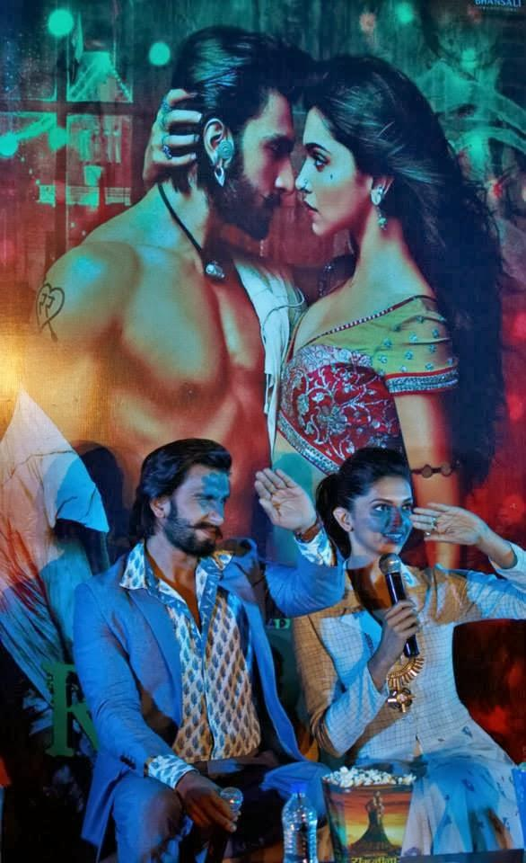 Ranveer And Deepika Spotted At Bangaluru For Their Upcoming Movie Ram Leela Promotion