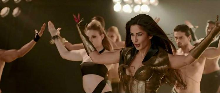 Bollywood Hottie Katrina Kaif Dhoom Machale Song Hot Still