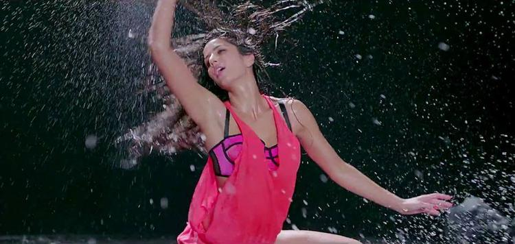 Katrina Kaif  Hot Dance Still From The Song Dhoom Machale