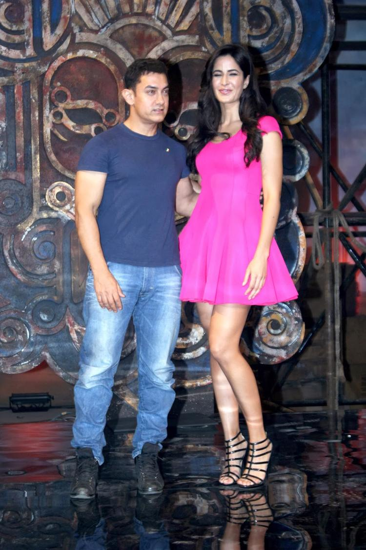 Katrina And Aamir Sizzling Chemestry At  Dhoom Machale Song Launch Event