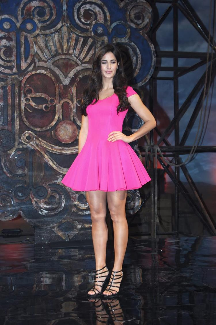Katrina Kaif Cute Pose During The Dhoom Machale Song Launch Event In Mumbai