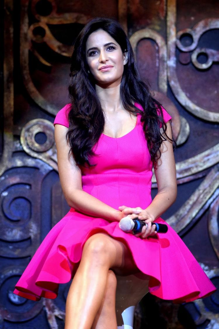 Katrina Kaif Sweet Smile Pic Dhoom Machale Song