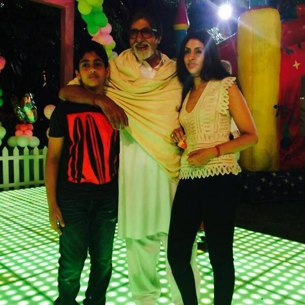 Amitabh Bachchan Posed With His Grand Kids At Aaradhya Bachchan's Birthday Bash