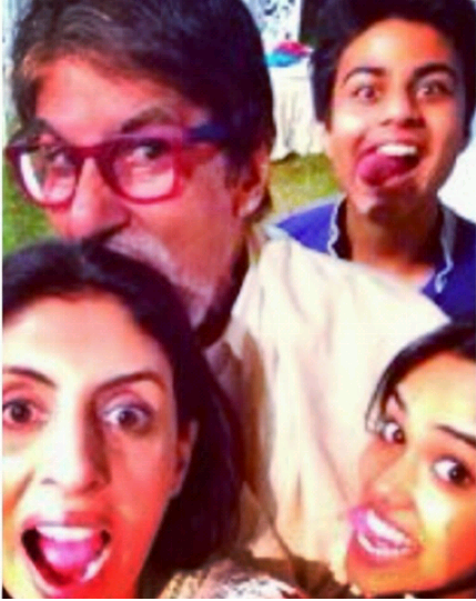 Amitabh With His Daughter Shweta And Grand Kids Cool Funny Posed At Aaradhya Bachchan's Birthday Bash