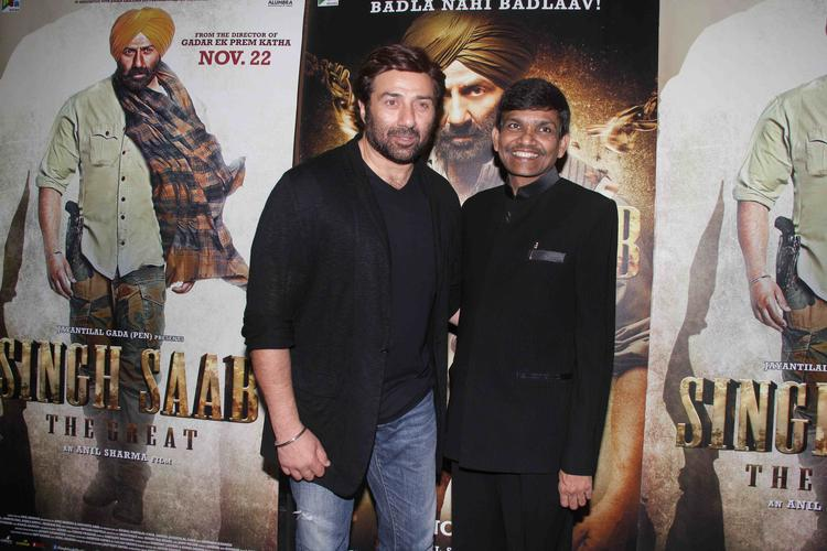Sunny Deol Dazzles At Singh Saab The Great Special Screening