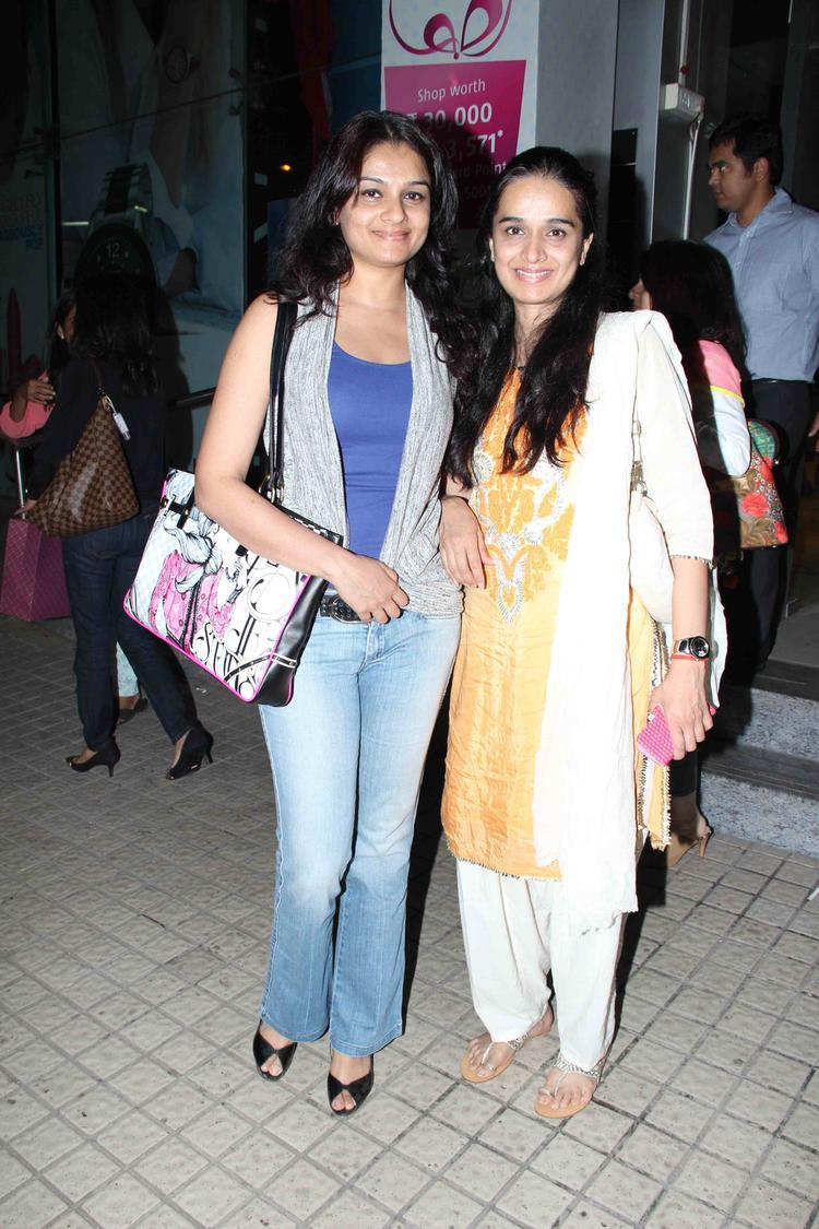 Tejaswini And Shivani Pose For Photo Shoot At Gori Tere Pyaar Mein Special Screening