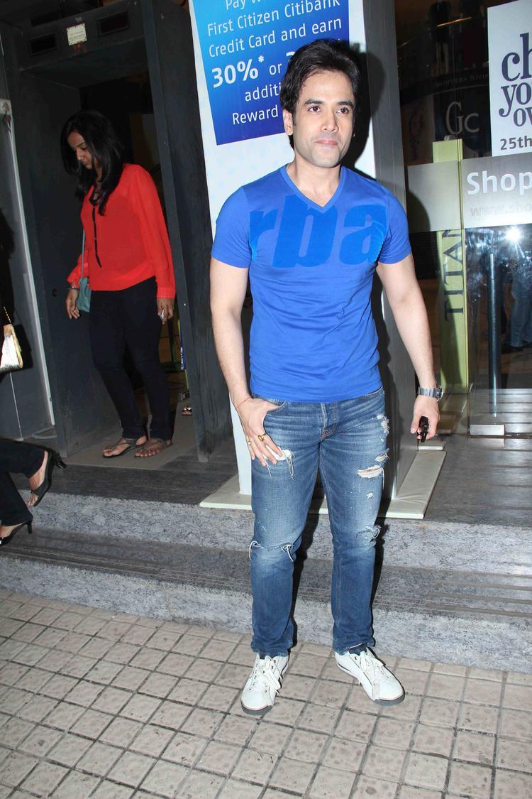 Tusshar Kapoor Snapped At Gori Tere Pyaar Mein Movie Special Screening