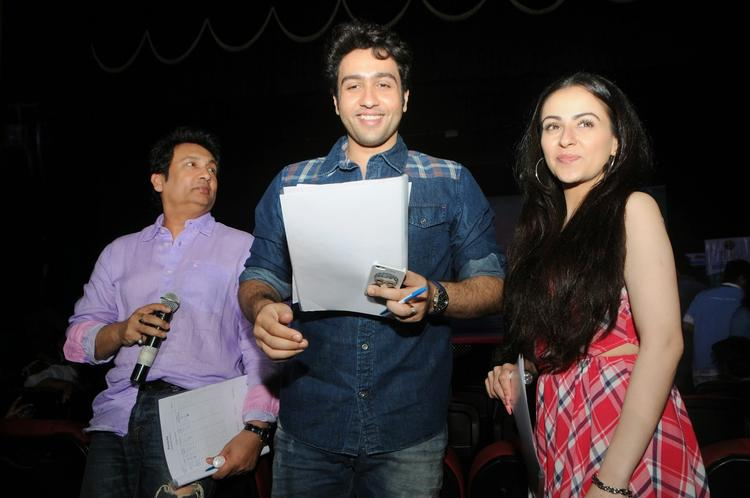 Shekhar,Ariana And Adhyayan Promote Their Movie Heartless At Mithibai College Kshitij Festival