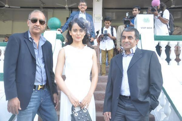 Milan Luthria And Kangana Pose For Photo Shoot At The Sir H.M. Mehta Million Event