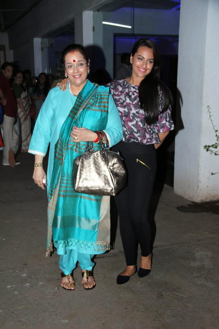 Sonakshi Sinha With Mom Poonam Sinha At The Special Screening Of Bullett Raja Movie