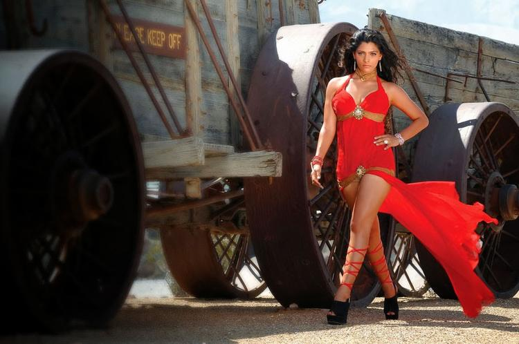 Saiyami Kher Looks Latest Hot And Sexy In Rey