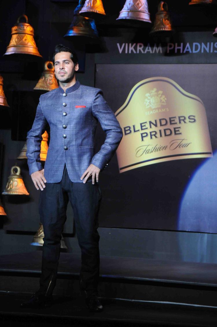 Deno Morea As Showstopper For Vikram Phadnis At BPFT In Mumbai  Day 2 Event