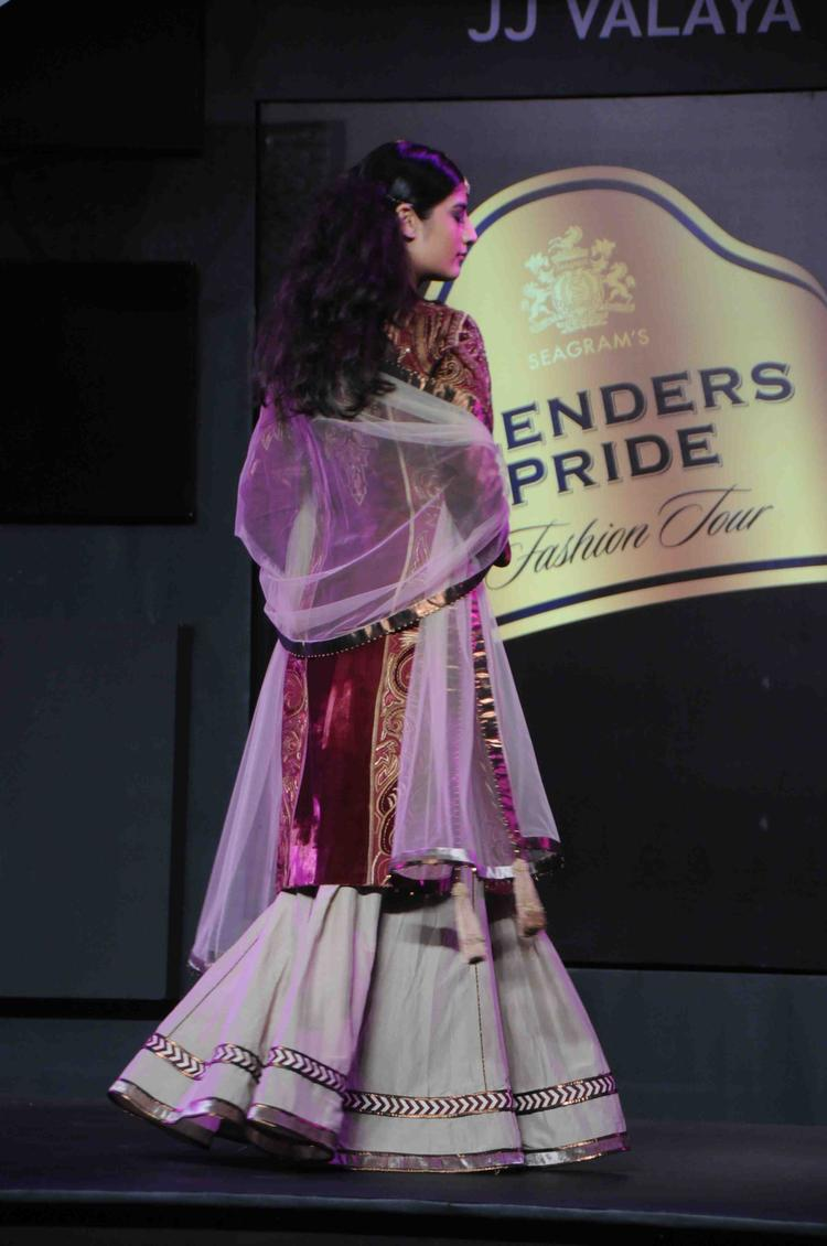 Model With JJ Valaya Outfit Blenders Pride Fashion Tour Mumbai Day 2 Event