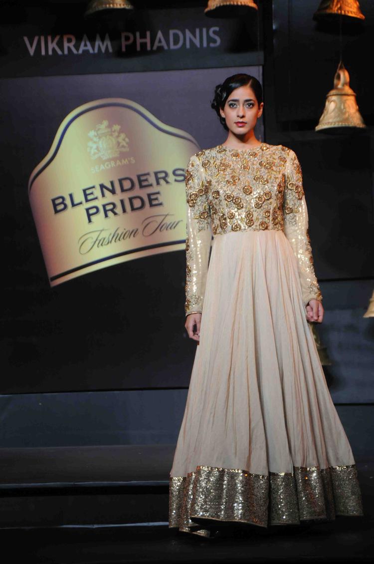 This Model Walks For Vikram Phadnis At Blenders Pride Fashion Tour Mumbai Day 2 Event