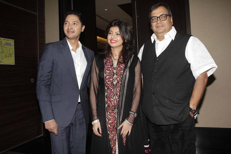 Shreyas With His Wife Deepti And Director Subhash Posed At The Launch Of Shreyas Talpade's Second Home Production