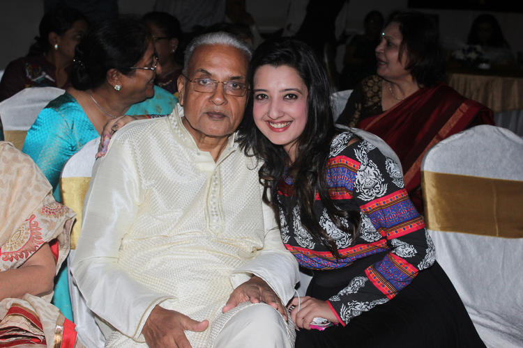 Amy Billimoria And Her Father Dushyant Shah Pic At His 70th Birthday Bash