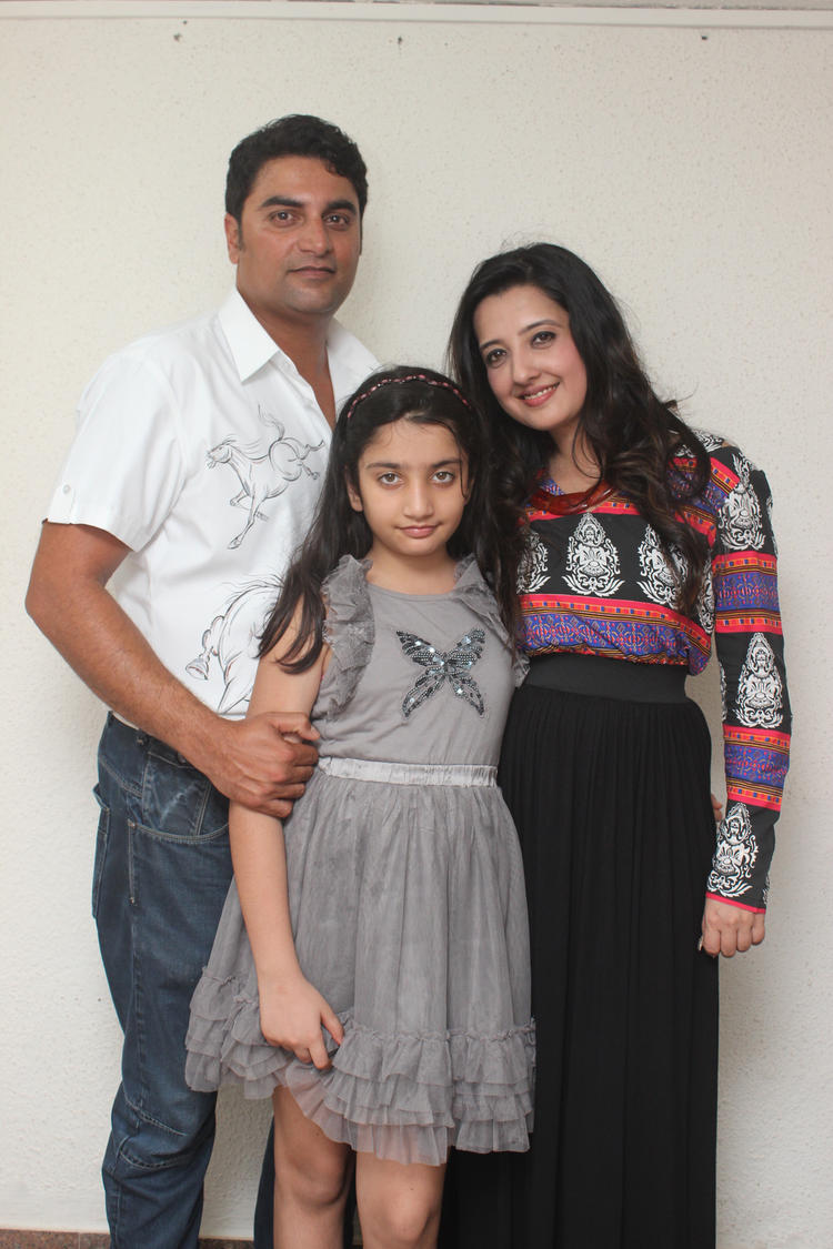 Amy Billimoria With Family Attended Her Father's 70th Birthday Event