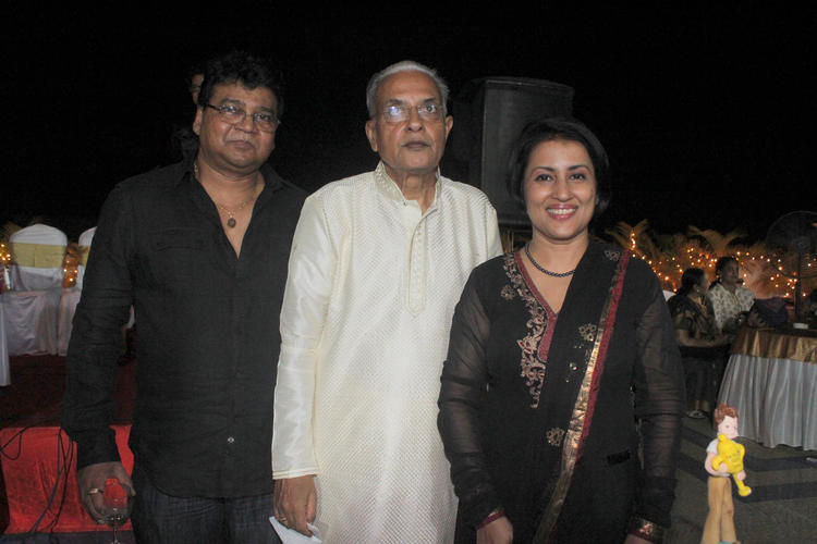 Dushyant Pose With Guests At His 70th Birthday Bash Event