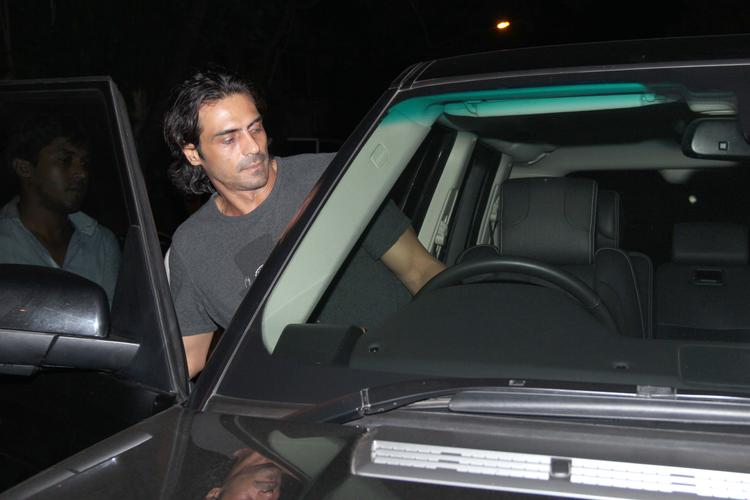 Arjun Rampal With Wife Snapped At Nido Resto Bandra