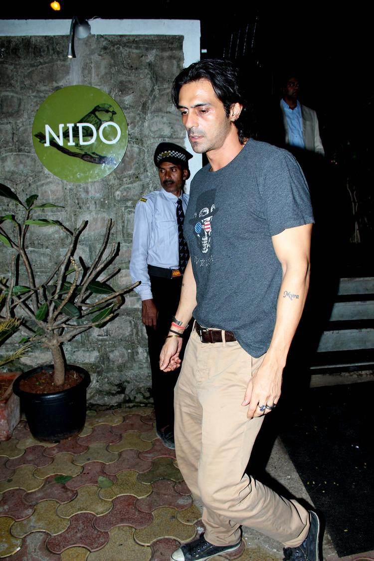 Bollywood Hunk Arjun Rampal With Wife Snapped At Nido Resto Bandra