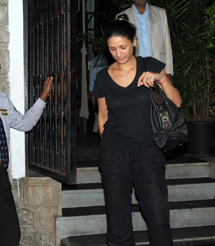 Mehr Jesia Rampal With Black Outfit Snapped At Nido Resto Bandra