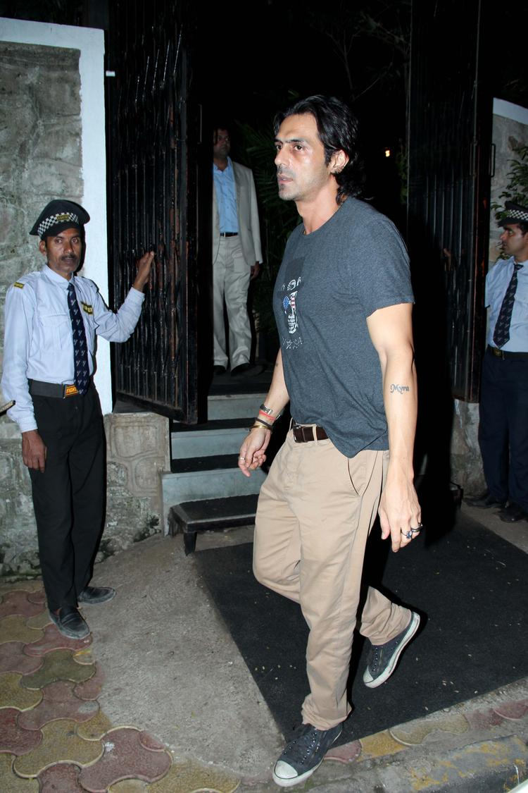 Style Icon Arjun Rampal Snapped At Nido Resto In Bandra