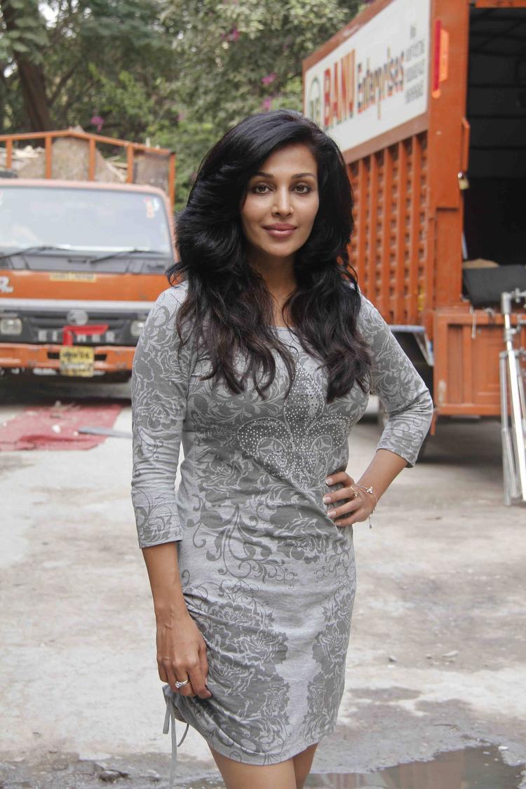 Flora Saini Attend Lakshmi Movie Kailash Kher,s Music Video Shoot