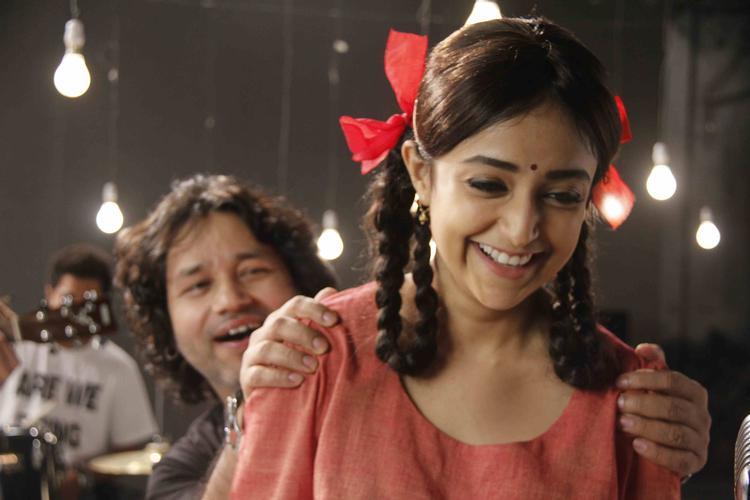 Monali Thakur Smiling Pic During Lakshmi Movie Music Video Shoot