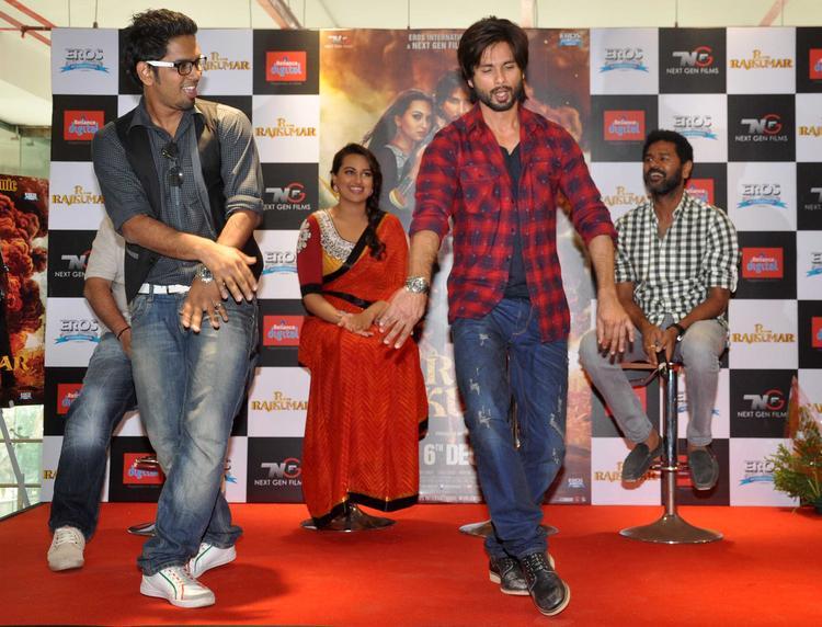 R Rajkumar Movie Song Dance Still By Shahid And His Fan
