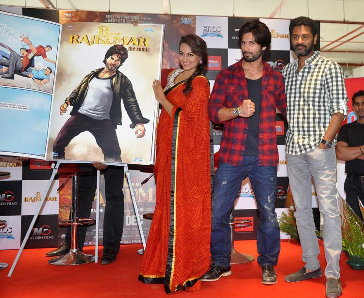 Shahid,Sonakshi And Prabhu Launch R Rajkumar Comic Poster