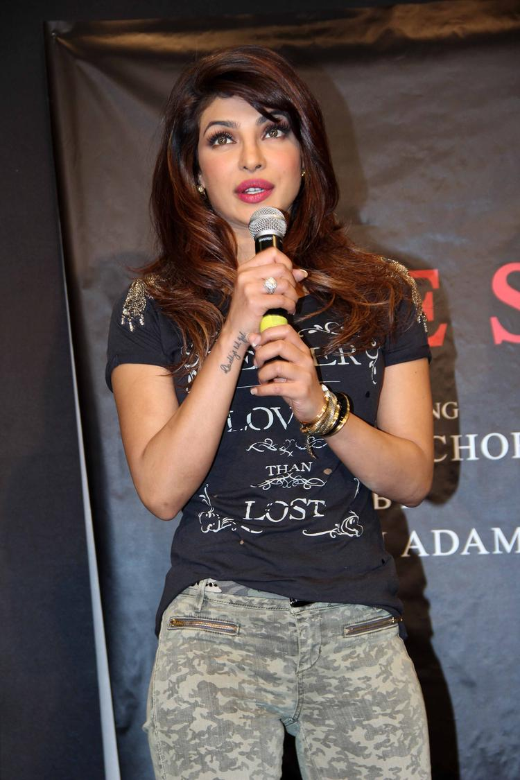 Campaign New Collection Of Guess Event Priyanka Chopra Say Some Thing