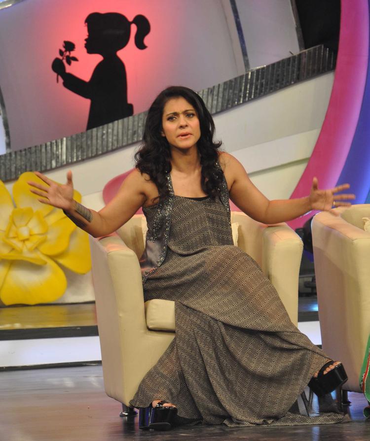 Kajol Devgan Speaking Still At Priyanka Chopra & NDTV's Our Girl Our Pride Fundraiser 2013 Campaign