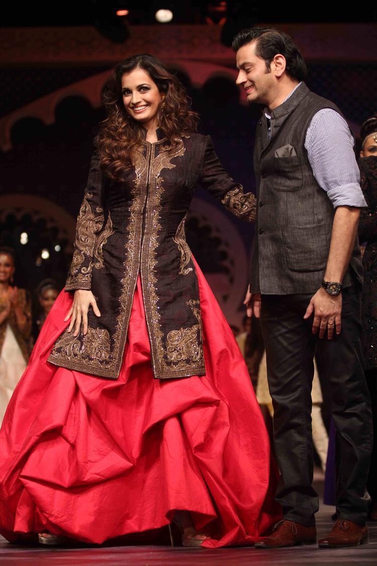 Dia Mirza With Designer Raghavendra Rathore On Ramp At IBFW 2013 Raghavendra Rathore Show
