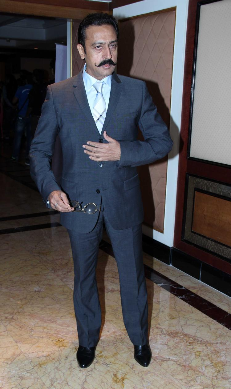 Gulshan Grover Attend The CNN IBN's Senior Citizen Awards 2013