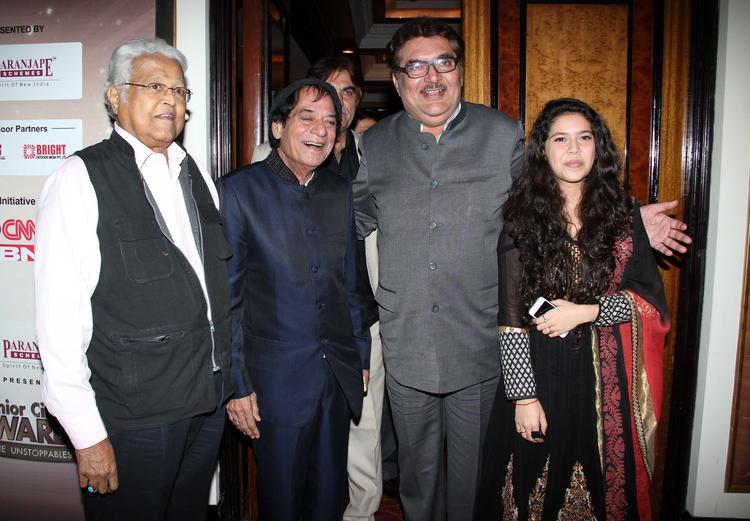 Jagdeep,Raza Murad And Others Posed At CNN IBN's Senior Citizen Awards 2013
