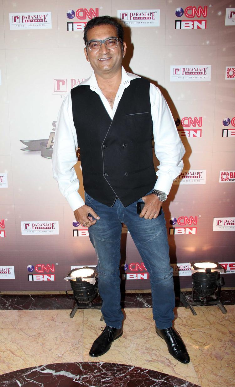 Singer Abhijeet Bhattacharya Strikes A Pose At CNN IBN's Senior Citizen Awards 2013