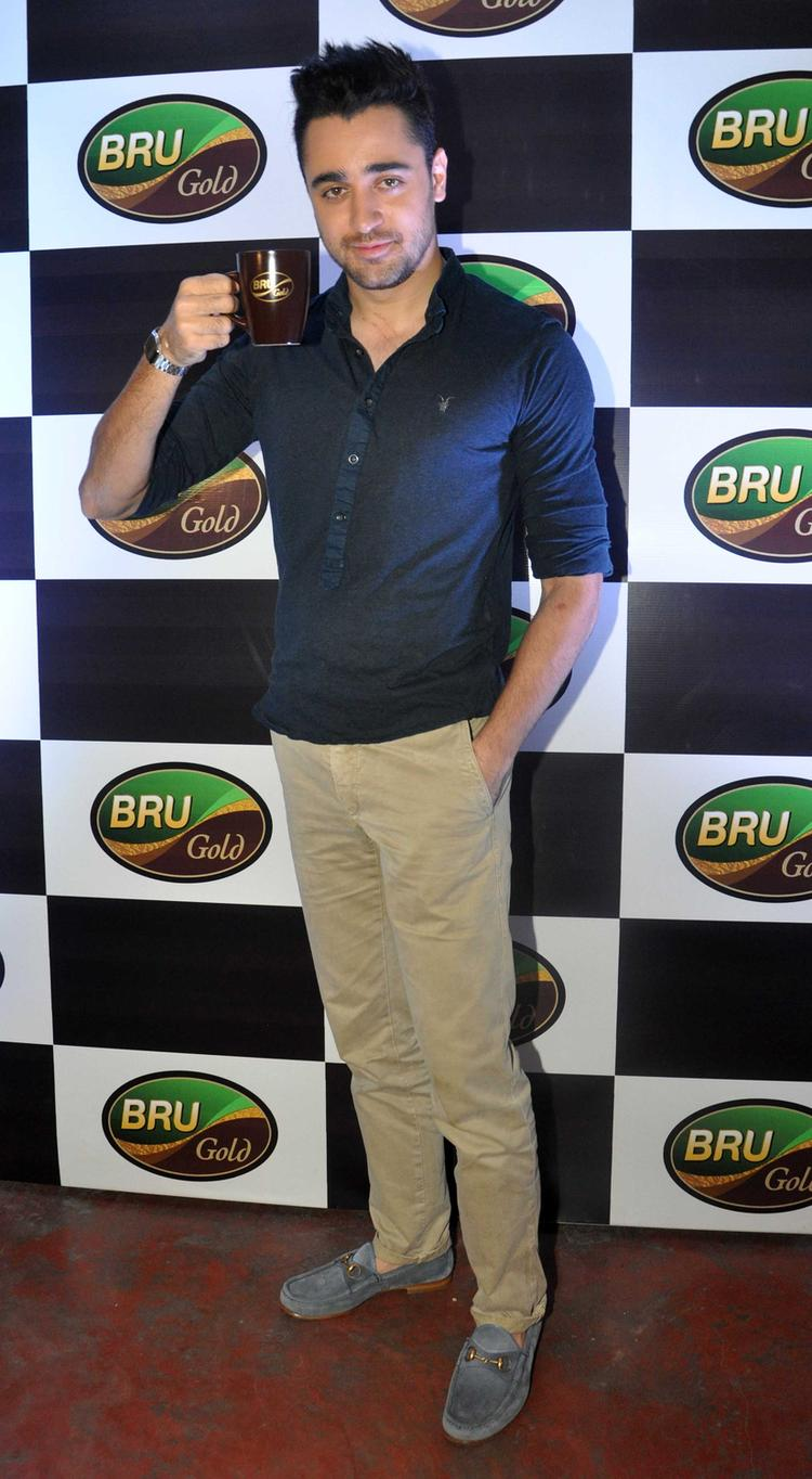 Imran Khan Posed With Bru During The Bru Gold Coffee Bean Promotional Event