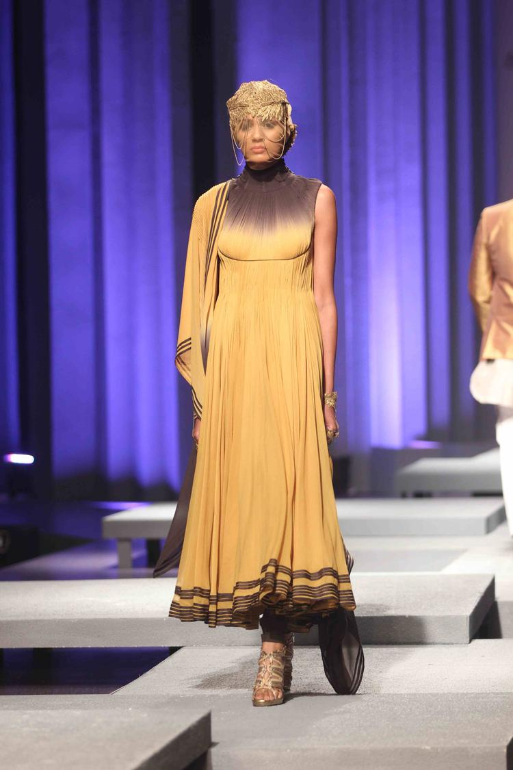 A Model Showcase The Design Of Shantanu And Nikhil On Day 4 At IBFW 2013